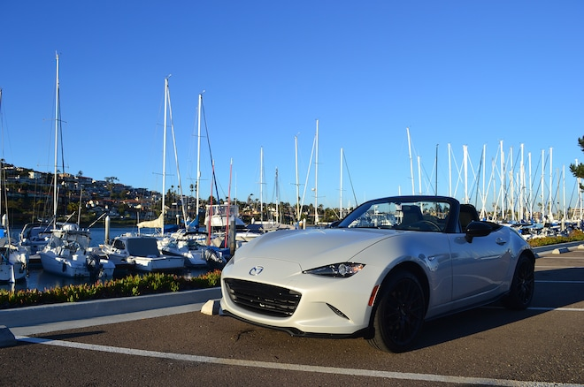 2016 Mazda MX 5 Club 4S Front Three Quarters 4